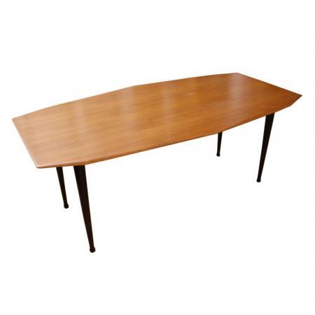 T42 Dining table designed by Carlo de Carli for Tecno